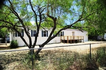Photo of 128 3rd Street  Mathis  TX