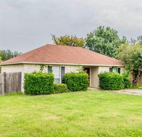 Photo of 632 N Avenue C  Springtown  TX