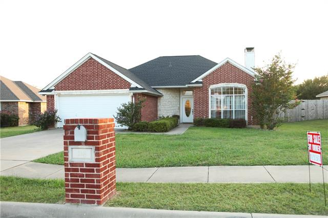 Photo of 218 Chambers Creek Circle  Maypearl  TX