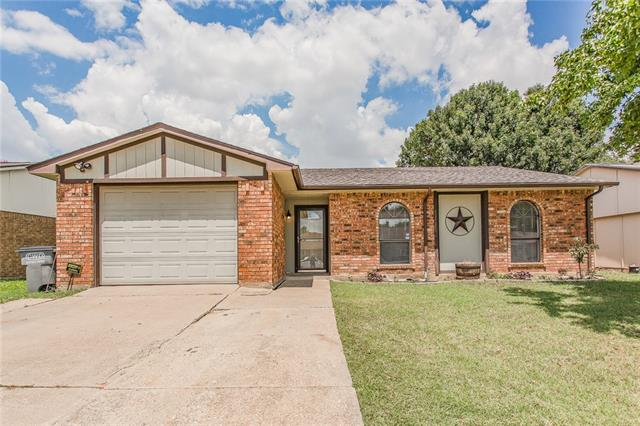 Photo of 705 Roaming Road Drive  Allen  TX