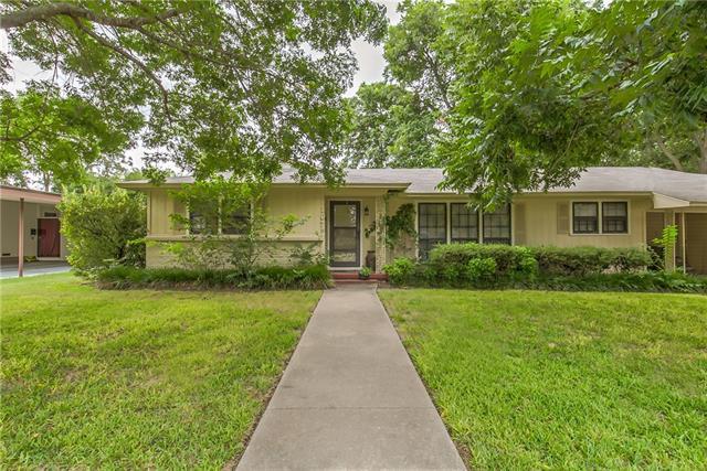 Photo of 1107 W Chambers Street  Cleburne  TX