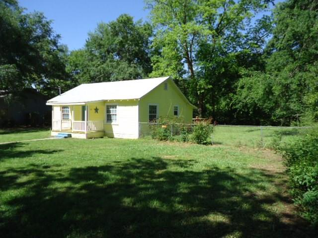 Photo of 402 Wilkerson Street  Winnsboro  TX
