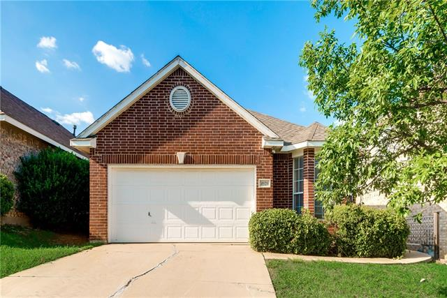 Photo of 4929 Lodgepole Lane  Fort Worth  TX