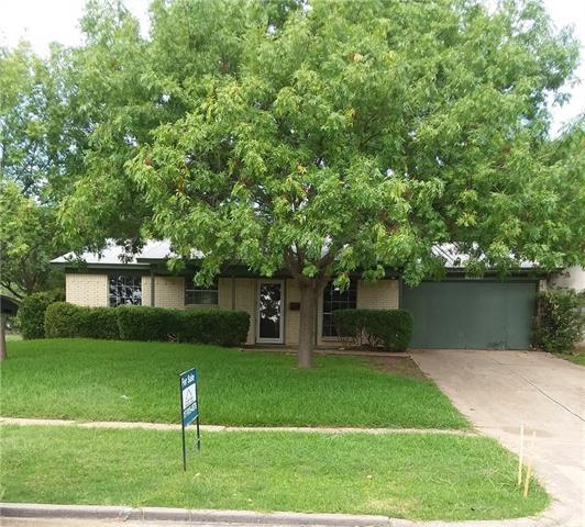 Photo of 933 SE 5th Street  Grand Prairie  TX