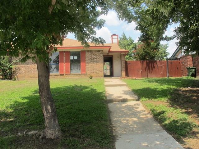 Photo of 1133 Rimcrest Drive  Arlington  TX