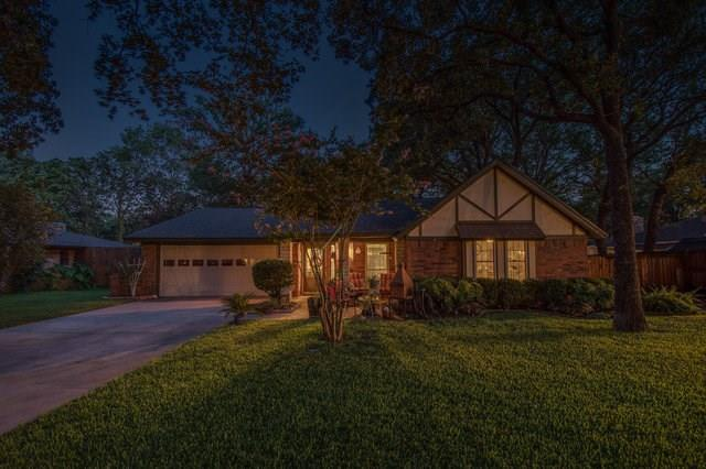 Photo of 2947 Wentwood Drive  Grapevine  TX
