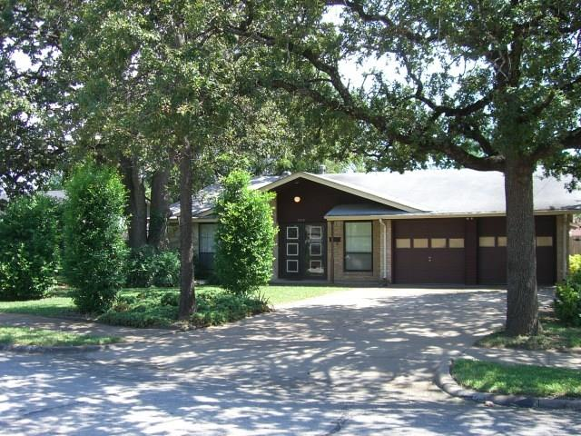 Photo of 3218 Griffiths Drive  Irving  TX