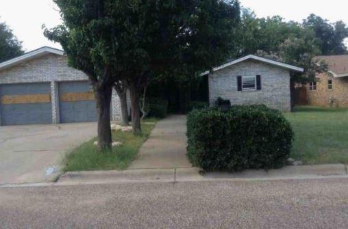 Photo of 2106 Avenue C  Seminole  TX