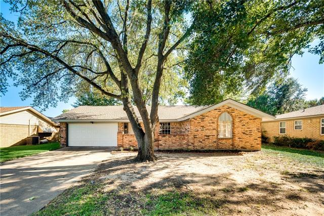 Photo of 110 Old Mill Circle  Lewisville  TX