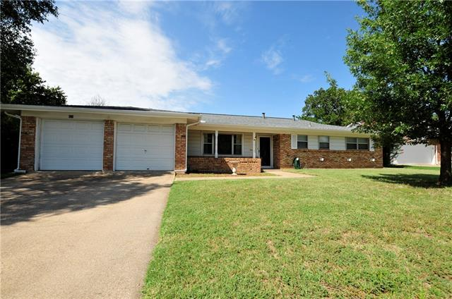 Photo of 424 Fieldwood Terrace  Hurst  TX