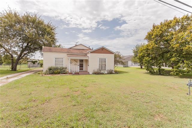 Photo of 309 W Jefferson Street  Palmer  TX
