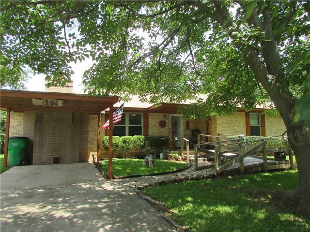 Photo of 1306 Magnolia  Gainesville  TX