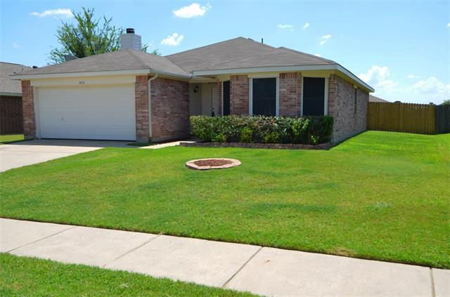 Photo of 1412 Aztec Trail  Krum  TX