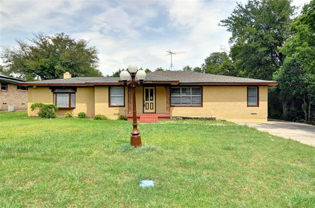 Photo of 2702 Lynell Drive  Seagoville  TX