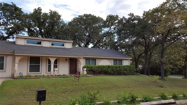 Photo of 409 W Redbud Drive  Hurst  TX