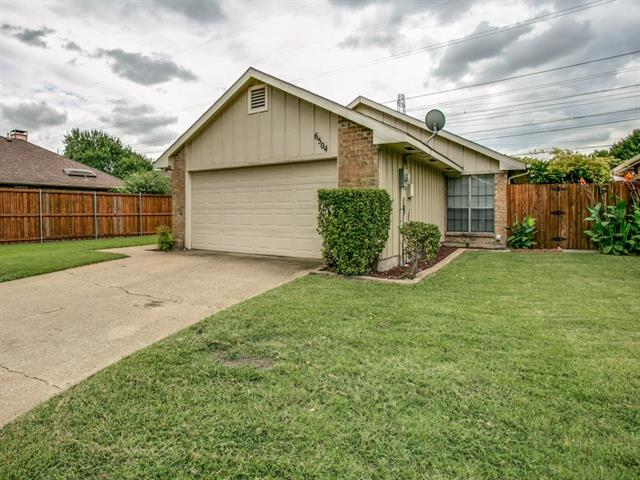 Photo of 6504 Spur Ranch Court  Plano  TX