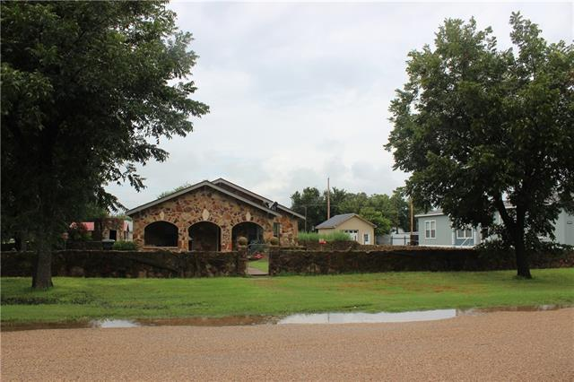 Photo of 402 Brown Avenue  Tuscola  TX