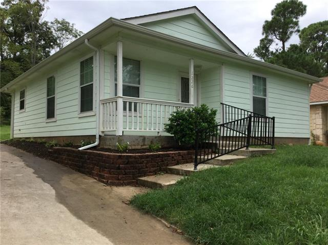 Photo of 1226 W Johnson Street  Denison  TX