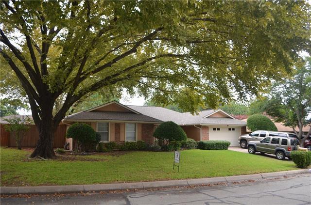 Photo of 2818 Bonneville Drive  Arlington  TX
