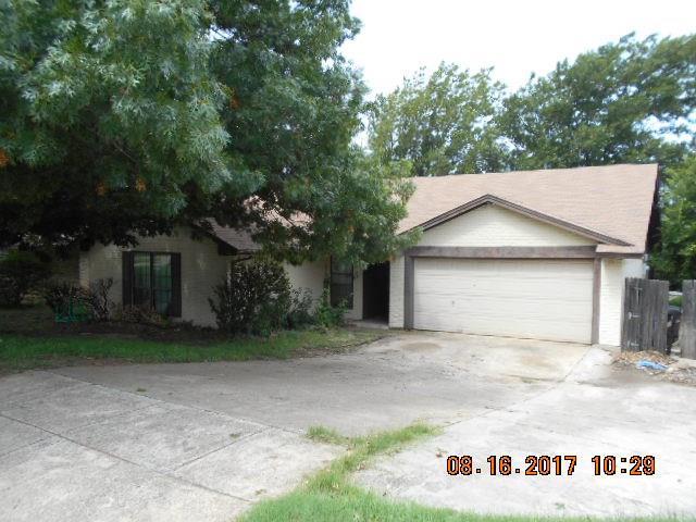 Photo of 5349 Weddington Court  Fort Worth  TX