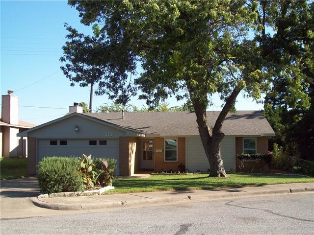 Photo of 322 Halo Street  Duncanville  TX