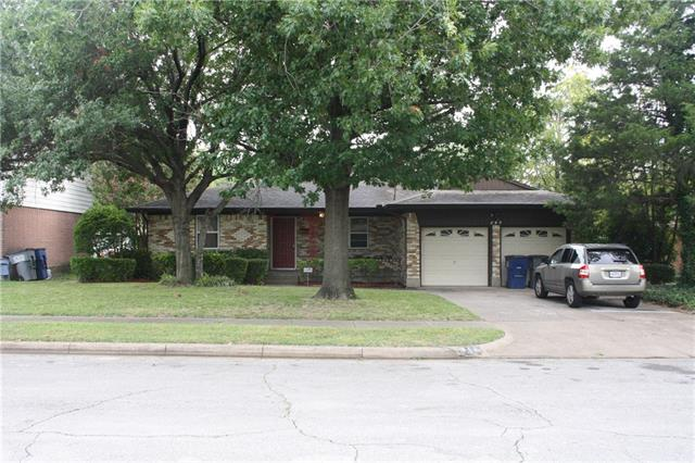 Photo of 814 Sequoia Drive  Lancaster  TX