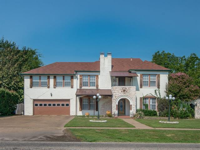 Photo of 402 S Houston Street  Edgewood  TX