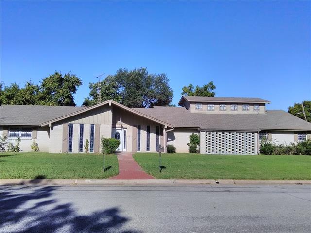 Photo of 2608 Utilis Street  Greenville  TX