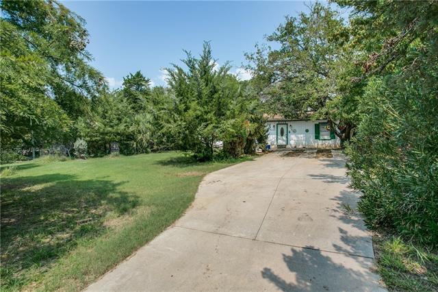 Photo of 8512 Marks Lane  Fort Worth  TX