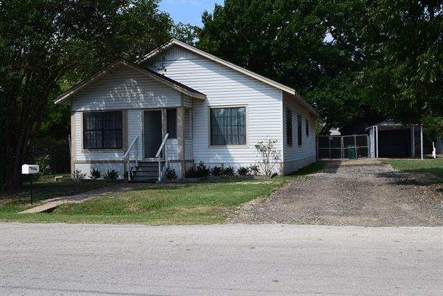 Photo of 106 S Nash Street  Kaufman  TX