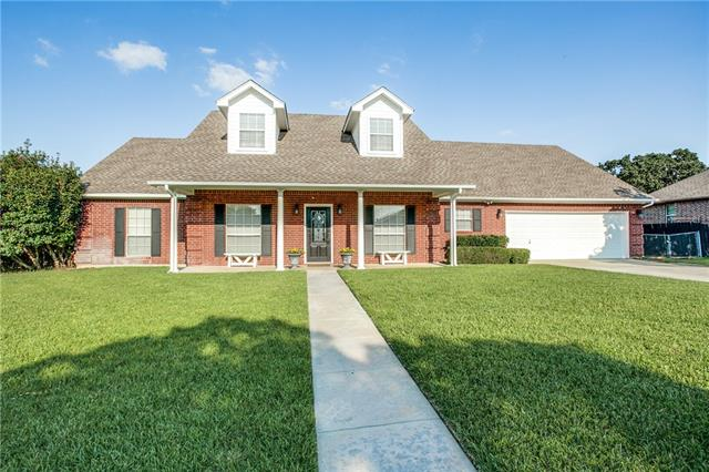Photo of 605 Grand Oaks Court  Alvord  TX