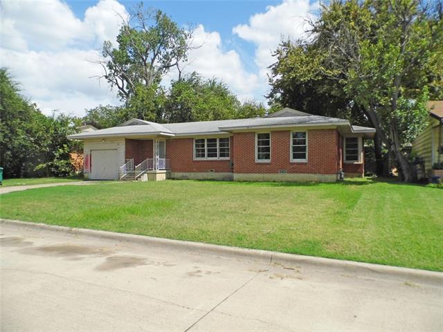 Photo of 3905 W Spurgeon Street  Fort Worth  TX