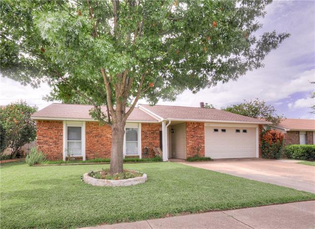 Photo of 622 Valley View Drive  Allen  TX