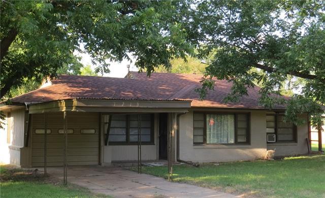 Photo of 1213 Elm Street  Teague  TX
