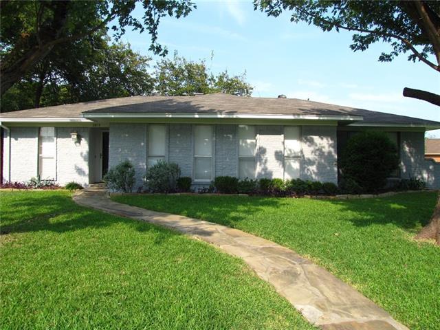 Photo of 2813 White Oak Court  Plano  TX