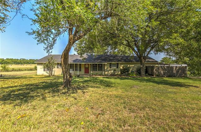 Photo of 11617 County Road 102  Grandview  TX