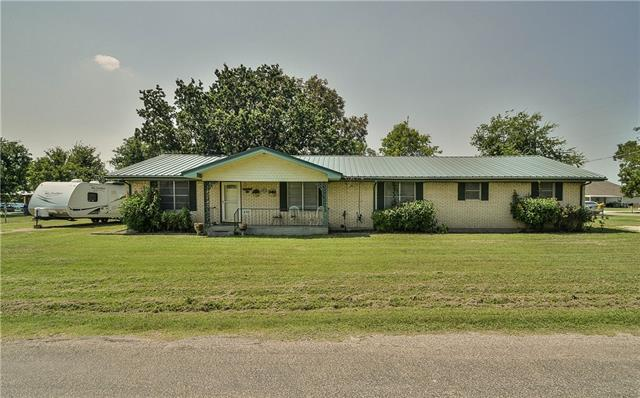Photo of 210 S Elm Lane  Tolar  TX