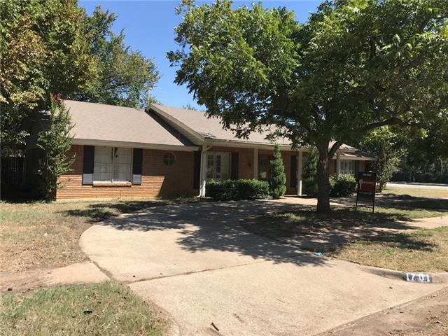 Photo of 1701 Park Hill Drive  Arlington  TX
