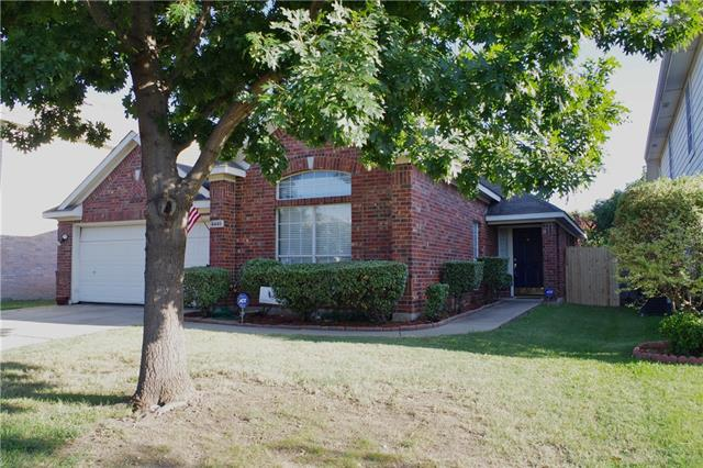 Photo of 4445 Stepping Stone Drive  Fort Worth  TX