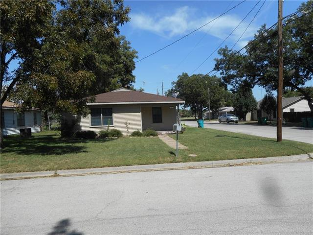 Photo of 719 Small Street  Bowie  TX
