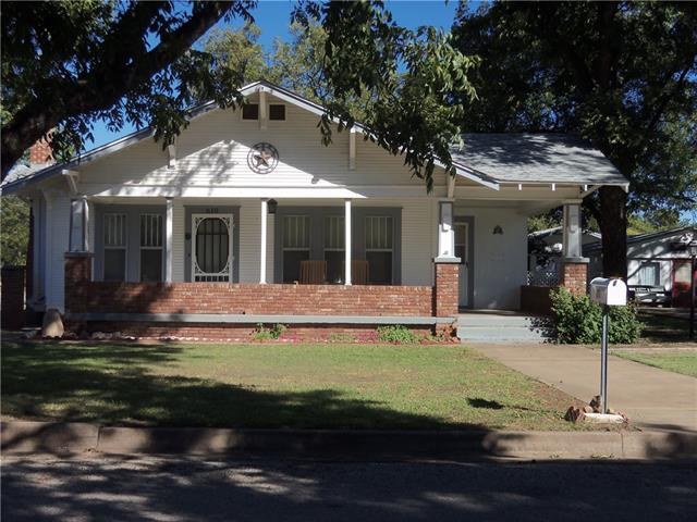 Photo of 610 State Street  Winters  TX