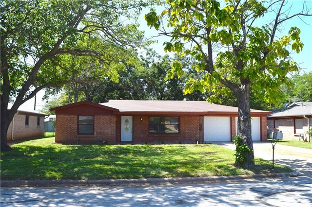 Photo of 3921 Tejas Trail  Lake Worth  TX