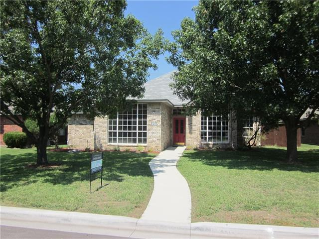 Photo of 401 Meadow Lane  Denton  TX