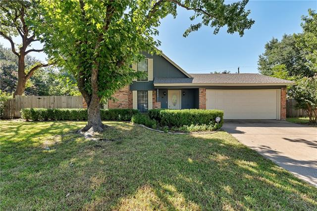 Photo of 3423 Duckview Court  Arlington  TX