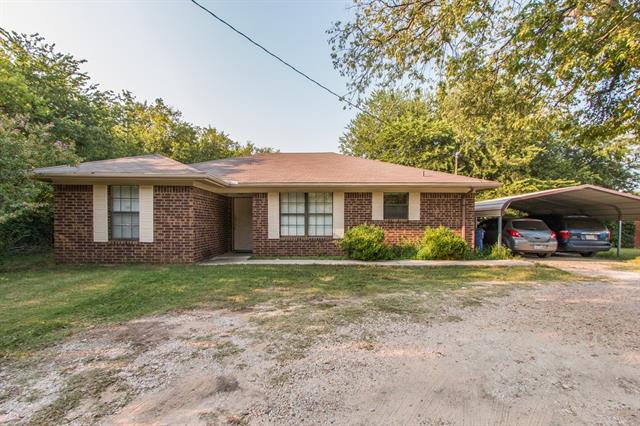 Photo of 521 W Lloyd Street  Krum  TX