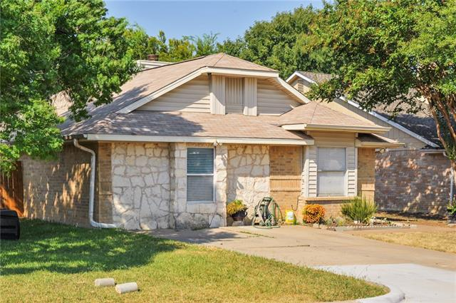 Photo of 1403 Woodfern Drive  Arlington  TX