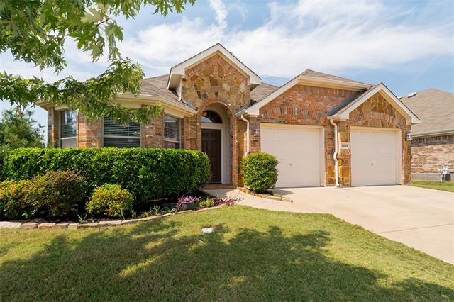 Photo of 15401 Yarberry Drive  Fort Worth  TX