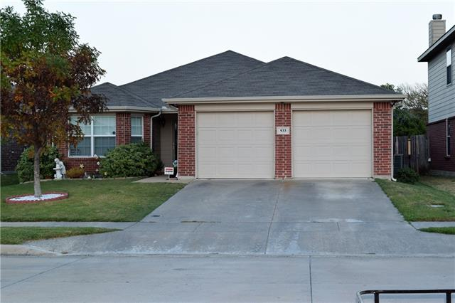 Photo of 933 Iona Drive  Fort Worth  TX