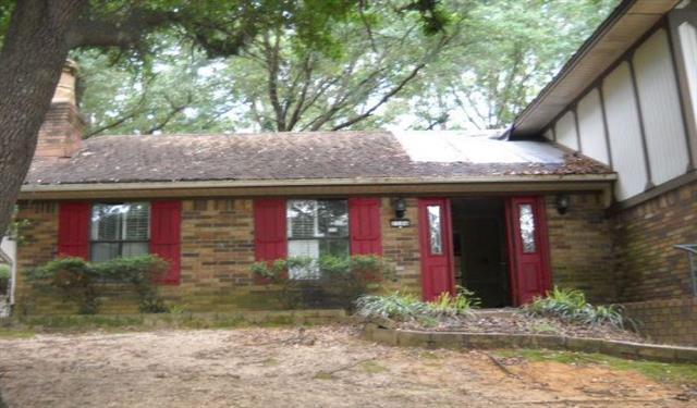 Photo of 1106 Forest Hills Street  Gladewater  TX
