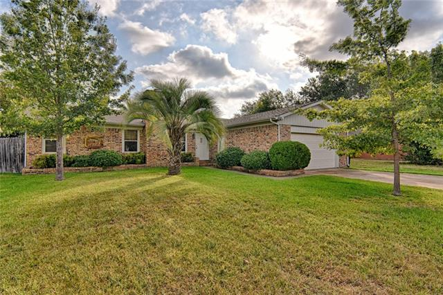 Photo of 509 Plainview Drive  Mansfield  TX
